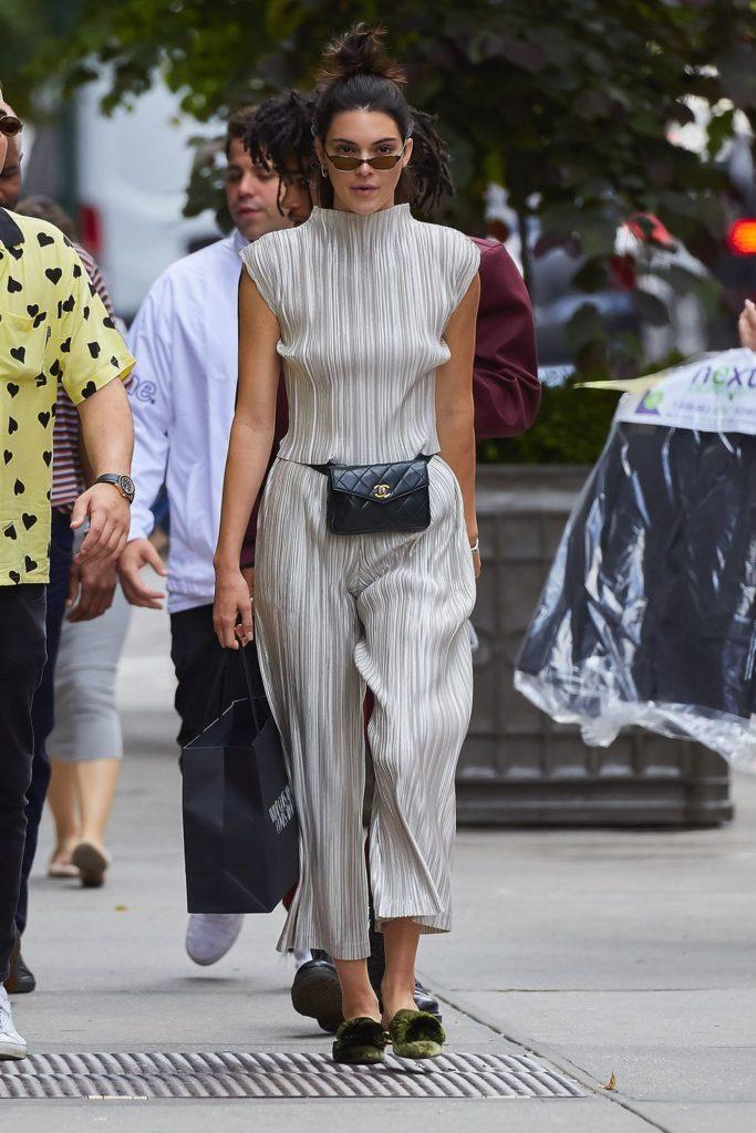 画像元:http//www.marieclaire.com/fashion /news/g4906/celebrities,in,fanny,packs/?slide\u003d3